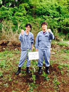 新入社員植樹式__ 1.JPG